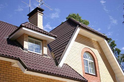Фото - Металочерепиця як матеріал для облицювання даху