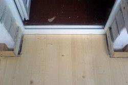 Поріг балконних дверей