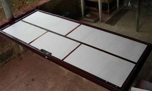 Фото - Монтаж саморобної металевих дверей