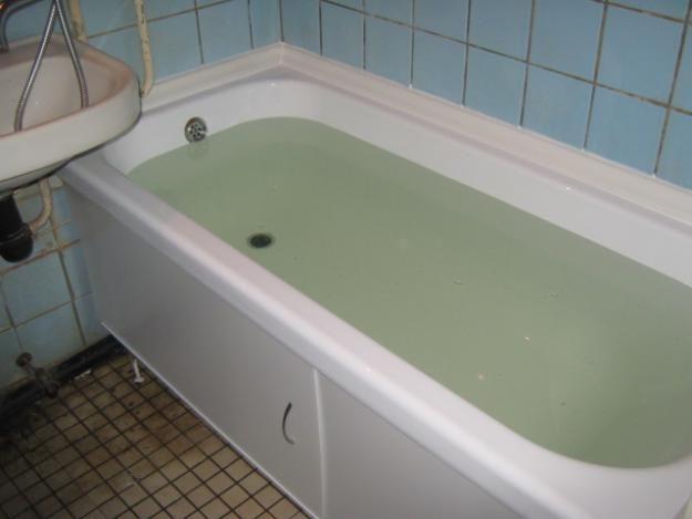 Фото - Монтування вкладиша у ванну