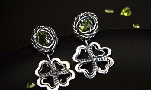 Фото - Чарівні срібні сережки з хризолітом