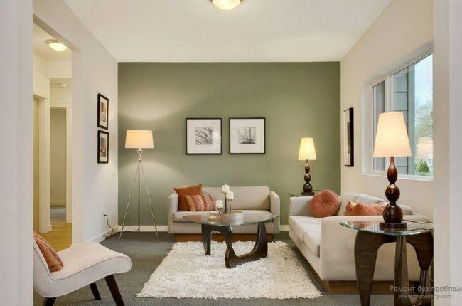 Білий килим на зеленому підлозі