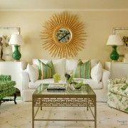 Зелені крісла з різними малюнками