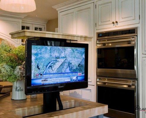 Фото - Вікно в світ - телевізор на кухні