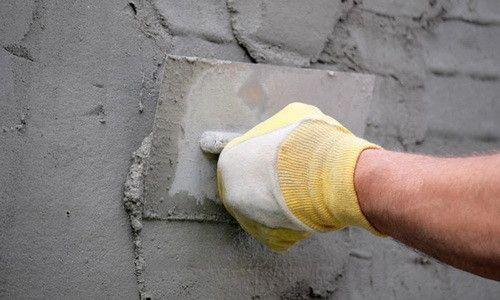 Оштукатурювання стіни цементним розчином