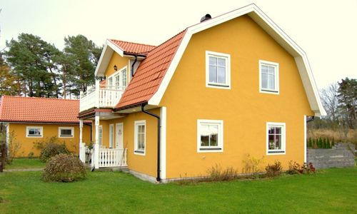 Фото - Основні правила фарбування будинку зовні
