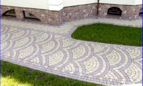 Тротуарна плитка характеризує не тільки зручність для пішоходів, а й свою красу і дизайн.