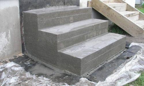 Фото - Особливості ремонту бетонних ступенів