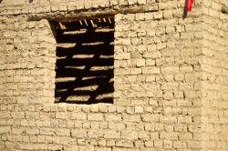 Виробництво цегли з глини і соломи