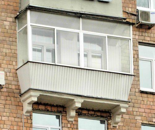 Фото - Засклення балконів в сталінських будинках
