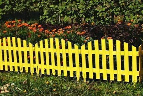 Пластиковий паркан для клумби
