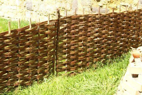 Фото - Плетений паркан - прикраса вашого будинку