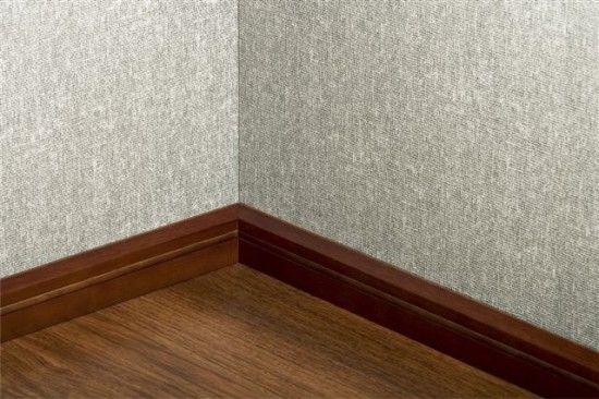 Фото - Плінтуса пластикові підлогові: установка та особливості кріплення