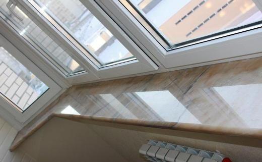 Фото - Підвіконня на балконі: виготовлення своїми руками