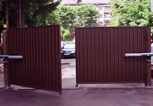 Фото - Підвісні розсувні ворота: конструкція і схеми