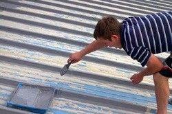 якою фарбою краще фарбувати оцинкований дах