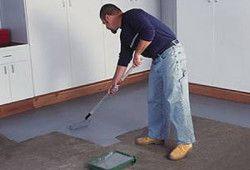 Фото - Фарбування підлоги: технологія роботи з дерев'яною і бетонною поверхнею