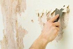 Фото - Як клеїти шпалери на фарбу: варіанти і способи
