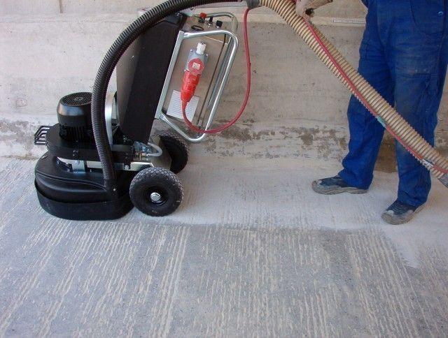 Шліфування бетонної підлоги.