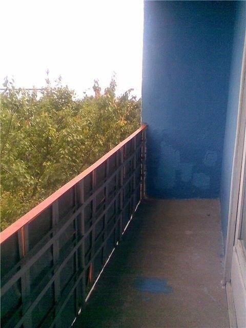 порожній балкон