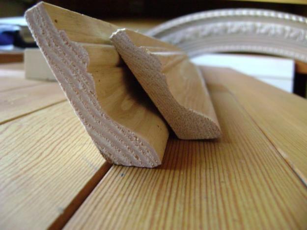 Фото - За допомогою чого і як встановити дерев'яний плінтус: поради майстрів