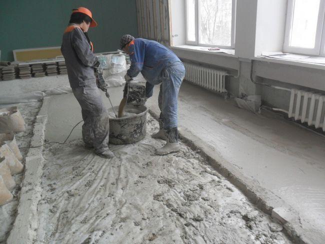 Фото - Приготування розчину для стяжки підлоги