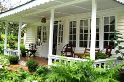 Якщо Ви побудували веранду, бажано зробити двері, що сполучає веранду і будинок.