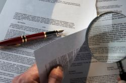 Оскарження заповіту у юриста