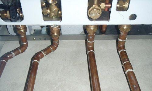 Фото - Процес зварювання водопровідних труб