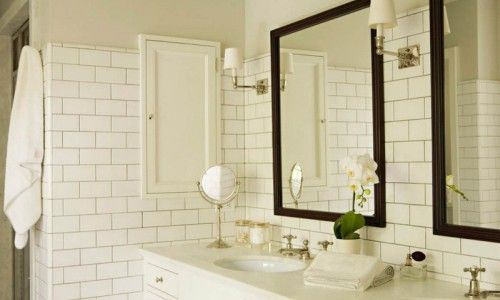 Фото - Процес укладання плитки у ванній