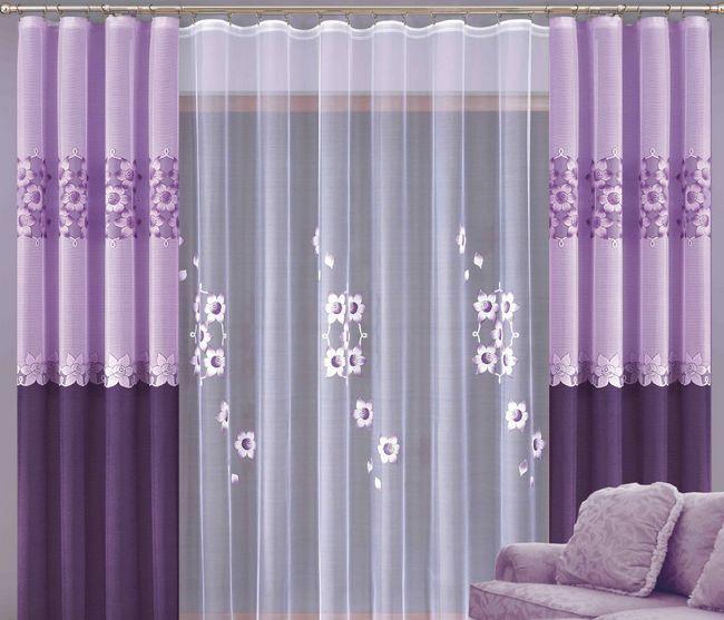 Класичні штори у вітальні