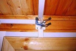 проводка в деревяному будинку своїми руками