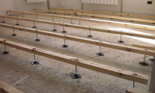 Фото - Регульовані підлоги своїми руками з використанням лаг і фанери