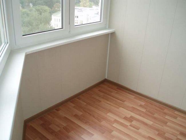 Фото - Рекомендації щодо застосування лінолеуму на балконі