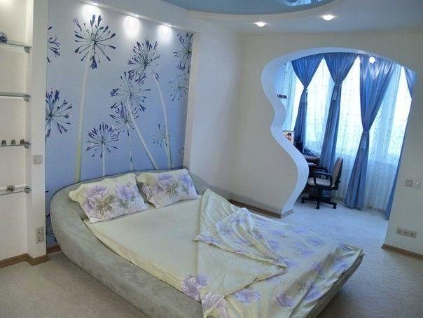 Спальня обєднана з лоджією