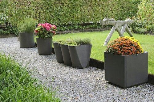 Садові горщики для квітів