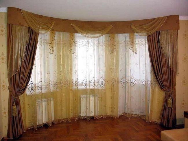 Фото - Штори для вітальні-балкона