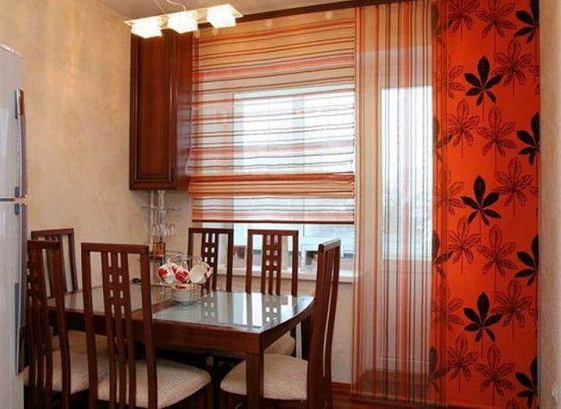 Фото - Штори для кухні, суміщеної з балконом