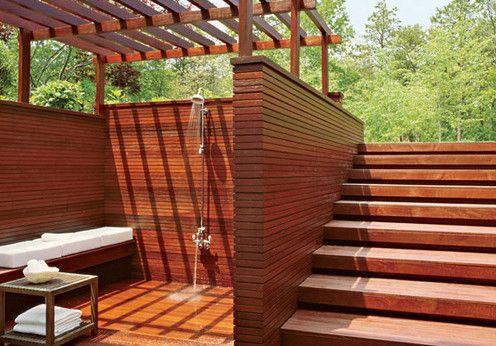Фото - Сонячний душ в саду на дачі