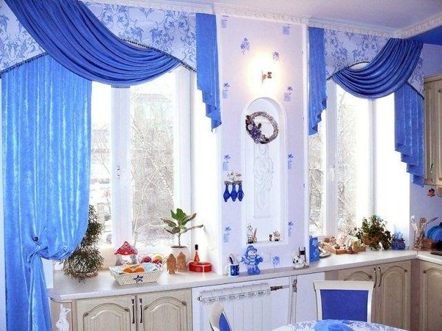 Фото - Сучасне оформлення вікон на кухні шторами різних видів