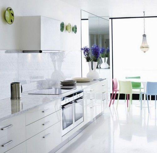 Кухня в стилі хай-тек