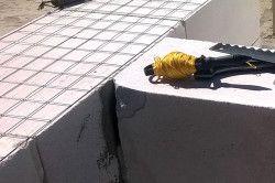 Армування газобетону за допомогою кладки арматурної сітки