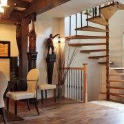 Фото - Прагнення вгору або дерев'яні сходи в будинку