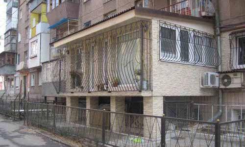 Фото - Будівництво балкона на першому поверсі