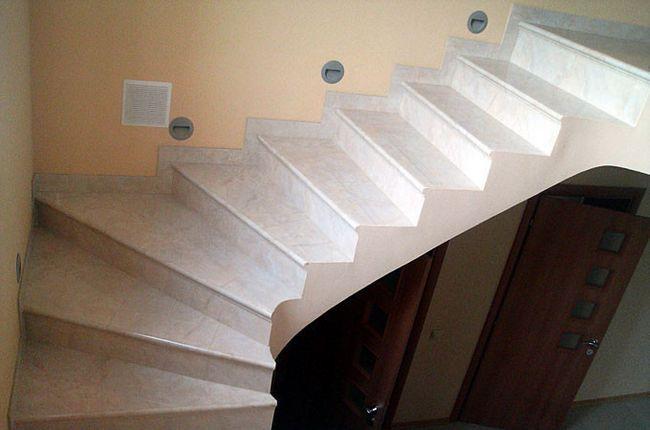 Фото - Будівництво бетонних сходів своїми руками