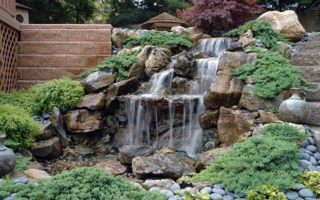 Фото - Будівництво водоспаду в саду своїми руками