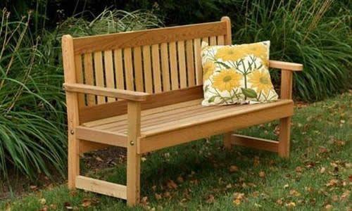 Фото - Зручна, красива і економічна лава для саду