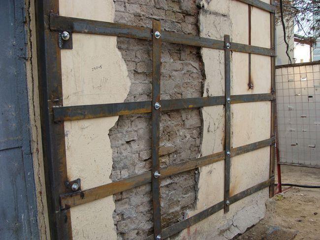 Посилення цегляної стіни