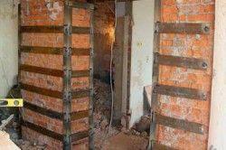 Посилення отвору в цегляній стіні