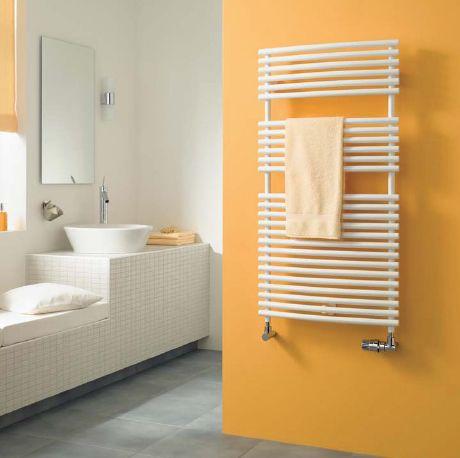 Фото - Установка полотенцесушителя у ванній кімнаті